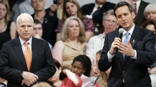 Governor Tim Pawlenty (above, right) and Senator John McCain appeared at a town hall-style meeting Thursday in St. Paul.