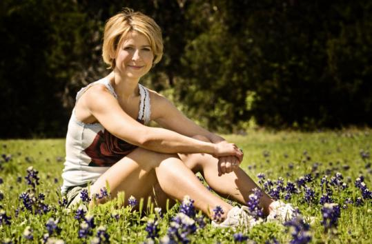 Samantha Brown Travel Channel Bikini http://savage-violation.com/index.php?topic=8745.0