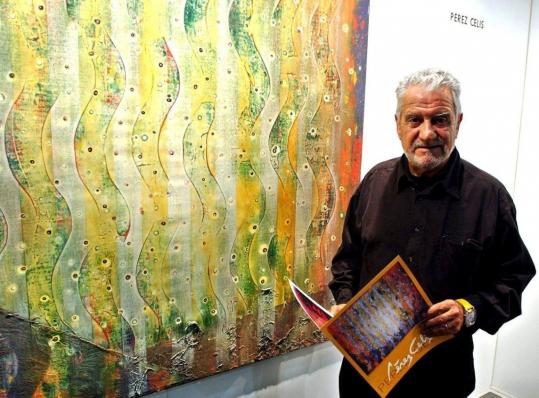 Pérez Celis posed in 2003 next to his painting ''Constellations'' at a contemporary art exhibit in Buenos Aires. Although widely known for his abstract pieces, he declined to be identified with any prevailing fashions or trends in the art world. ''Any style is a prison,'' he often said.