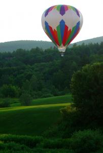 Lodging places in Stowe are offering packages combining rooms with a ride on a glider, hot air balloon, canoe, or kayak.