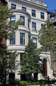 Tom Brady converted this Beacon Street town house to four condos and sold three of them.