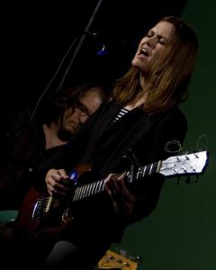 Juliana Hatfield played through her newest album, ''How to Walk Away,'' at the Brattle on Sunday.