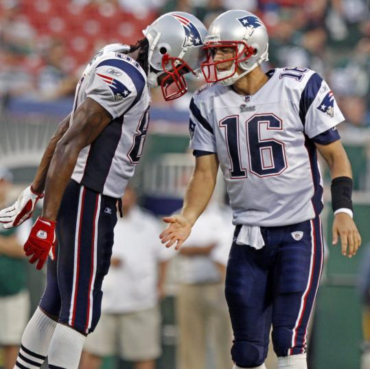 Randy Moss and Matt Cassel put their heads together as time was winding down in Sunday's win over the Jets, but they haven't hooked up much with the football through the first two games.