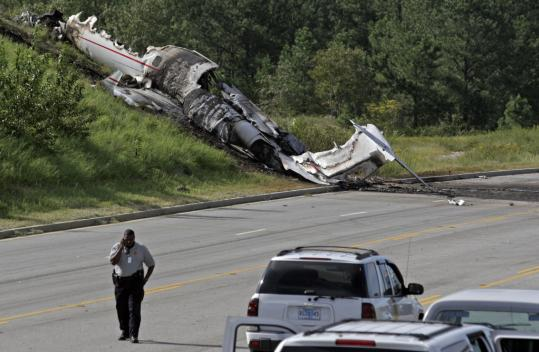 Four Killed 2 Musicians Hurt In S C Plane Crash The