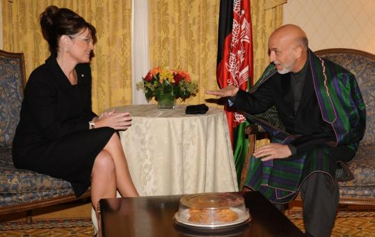 Republican vice presidential candidate Sarah Palin met yesterday with the Afghan president, Hamid Karzai, in New York.