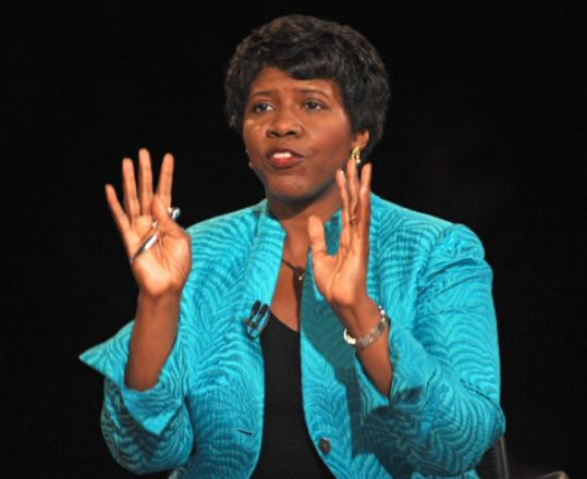 Don Emmert/Getty Images/PoolDespite the controversy about her upcoming book on Senator Barack Obama, Gwen Ifill as moderator seemed equally deferential to both vice presidential candidates.