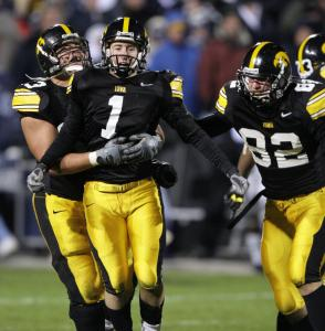 Daniel Murray (1) capped Iowa's comeback win over No. 3 Penn State with a 31-yard field goal with one second left.