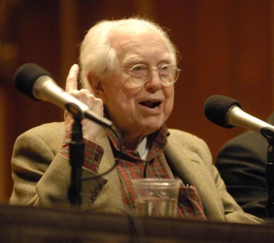 Elliott Carter, who studied at Harvard during the '20s and '30s, talks about his music Tuesday at New England Conservatory.