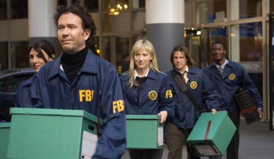 Timothy Hutton leads a gang of con artists in ''Leverage.''