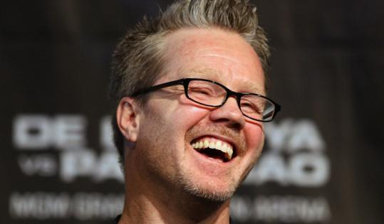 Freddie Roach is on Manny Pacquiao's side, and he may also be in Oscar De La Hoya's head in their nontitle bout tomorrow.