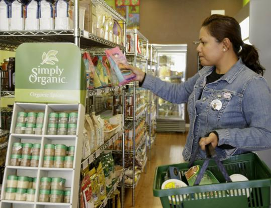 Overall sales of organic food are still rising, though the industry's robust growth of recent decades is tapering off, analysts said.