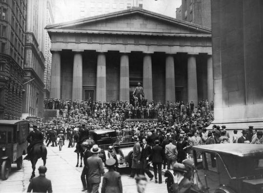 The Sub-Treasury Building (now Federal Hall National Memorial), near the New York Stock Exchange, November 1929.
