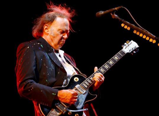 Neil Young Keeps On Rockin The Boston Globe