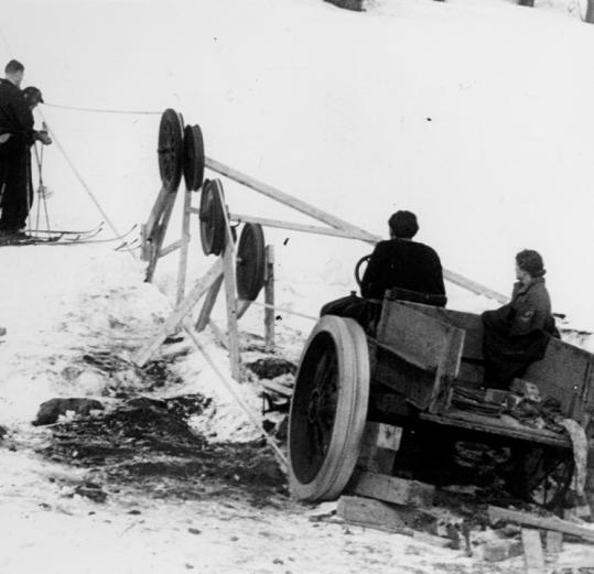 In January 1934 a group in Woodstock, Vt., rigged a Model T Ford, turning it into the first known ski tow in the US.