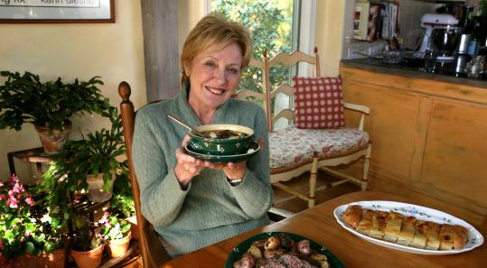 The underlying theme of Carol McManus's cookbook, ''Table Talk,'' is the importance of families sitting down together.