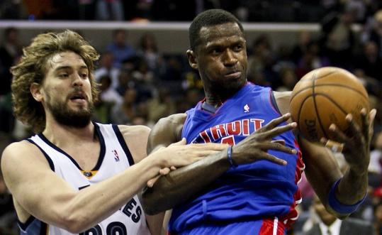 Antonio McDyess (right, fighting for a rebound with the Grizzlies' Marc Gasol) wrestled with his options but ultimately returned to the Pistons, the team that once gave him a chance when few others would.