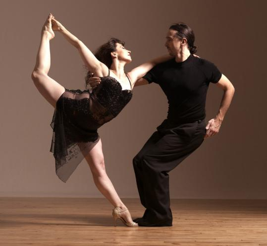 Guillermina Quiroga (with Gustavo Rosas) began her career as a ballerina.