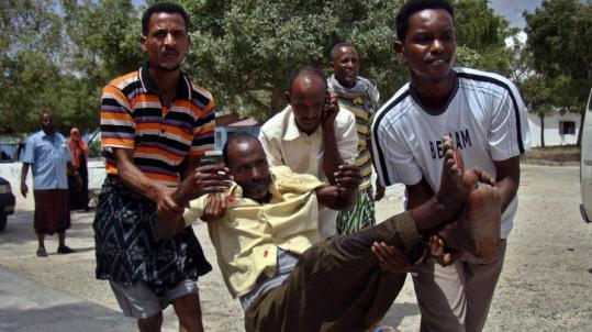 A Somali man wounded in a mortar attack yesterday in Mogadishu was assisted to a hospital.