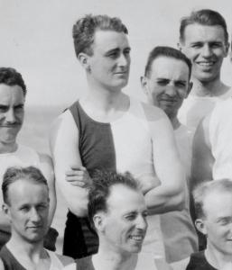 Franklin D. Roosevelt posed for a picture with the class of 1904 at Nantasket Beach.
