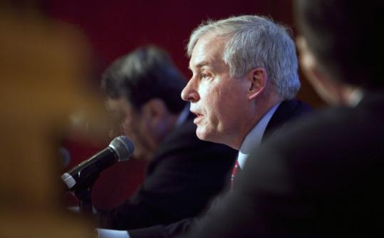 Boston Fed president Eric Rosengren speaks at the Institute of International Bankers conference yesterday.