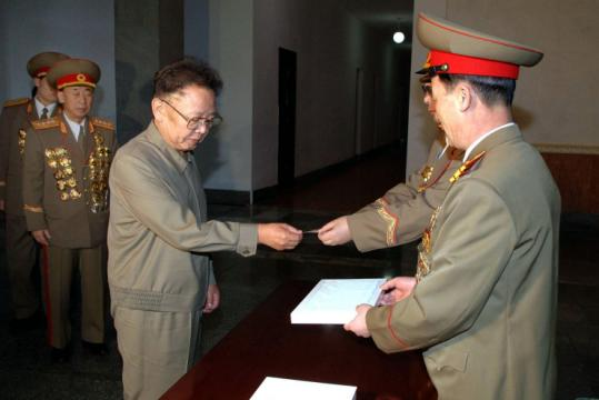 North Korean leader Kim Jong Il took a ballot in Pyongyang yesterday to vote for his hand-picked members of Parliament.