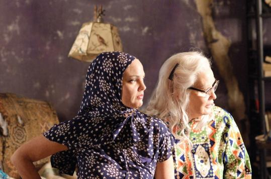 Hbo 39 S 39 Grey Gardens 39 Revisits Story Of Mother And Daughter Recluses The Boston Globe