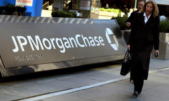 JPMorgan Chase CEO Jamie Dimon said the bank could pay back its $25 billion in government funding immediately.
