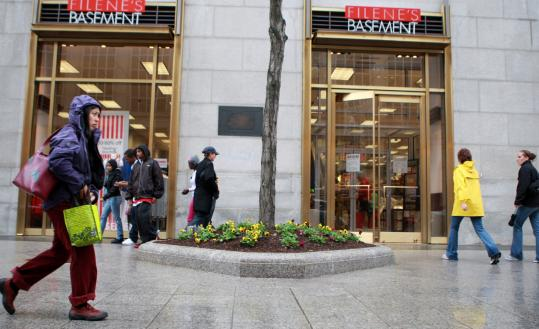 Some analysts say that the move by Filene's Basement to sell high-end merchandise in locales such as the Back Bay created confusion for shoppers.