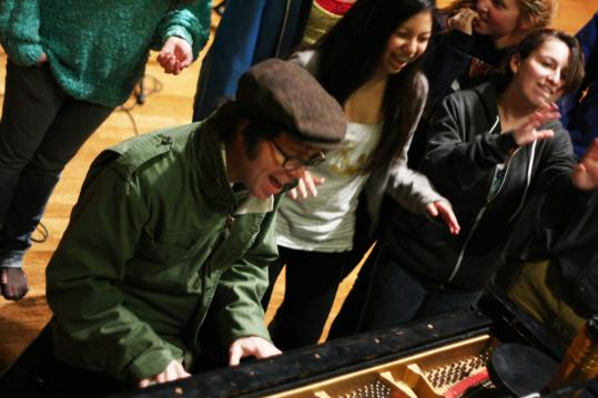 Ben Folds plays with the Newtones of Newton South High School, who made it onto his new ''University A Cappella'' album.