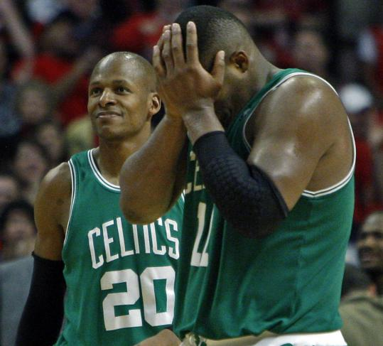 Ray Allen (left) has seen it all before, unlike Glen Davis, who missed a layup late in regulation.