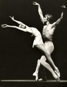 Ekaterina Maximova and her husband, Vladimir Vasiliev, starred for many years in the Bolshoi Theater.