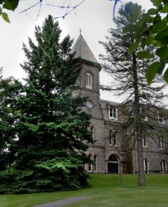 The desire of Andover Newton Theological School to merge with a New York divinity school reflects a gradual national trend. The Newton facility (left) is already sharing some staffing and academic programming with Hebrew College, a Newton neighbor.
