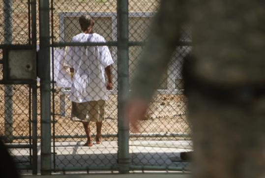 A US proposal would ease the government's task of prosecuting Guantanamo detainees who have confessed to terrorism but whose cases present extraordinary challenges.