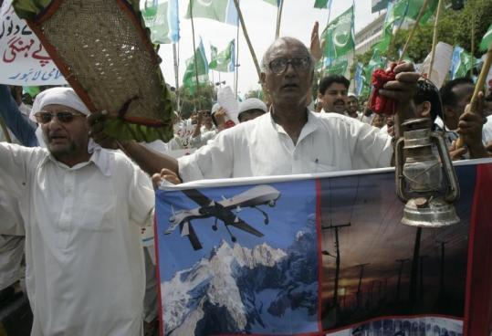 Supporters of Pakistani religious party Jamat-i-Islami rallied yesterday in Lahore against reported US drone strikes in Pakistani tribal areas along the border with Afghanistan.