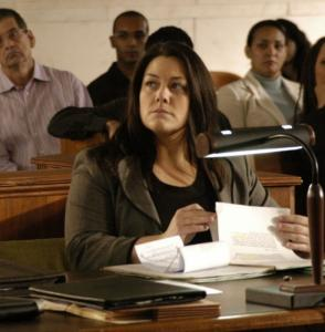 "Brooke Elliot stars in ""Drop Dead Diva,'' in which a plus-size lawyer inherits the spirit of a model."