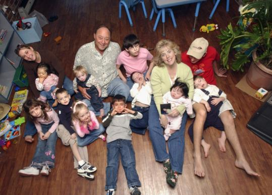 Byrd and Melanie Billings in 2005 with 12 children, 10 of them adopted. When slain last week, the couple had a brood of 16.
