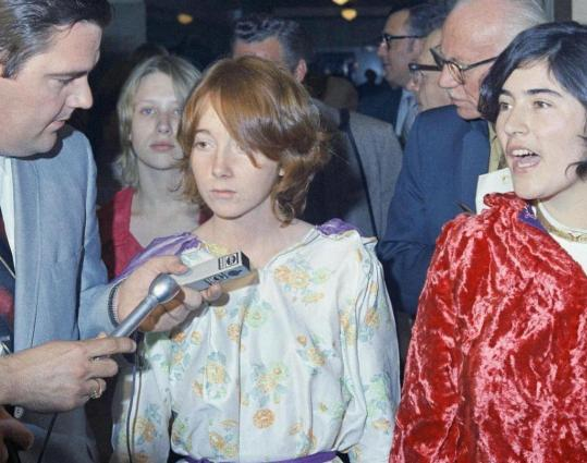 Two of Charles Manson's followers, Lynette Fromme (left) and Catherine Share, at the Los Angeles Hall of Justice after a hearing for Manson on Jan. 27, 1970.