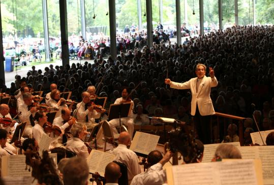 Michael Tilson Thomas led the Boston Symphony Orchestra in Ives and the traditional Beethoven Ninth Sunday afternoon to end the season at Tanglewood.