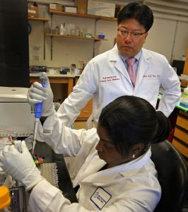 Dr. Augustine M.K. Choi at Brigham and Women's Hospital will use NIH grant money to experiment with a technique for pinpointing the cause of a chronic lung disease.