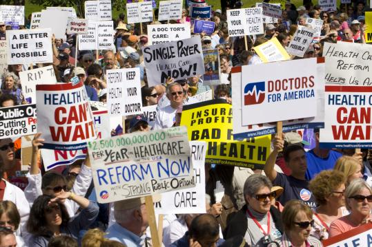 Demonstrators gathered on the Boston Common yesterday to show their support for President Obama's push to overhaul the nation's health care system.