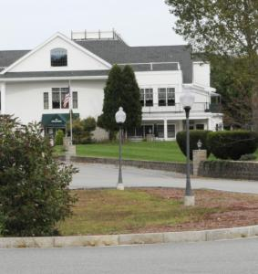 Georgetown Club, which included an 18-hole championship golf course, pool, and banquet facilities, will hit the auction block.