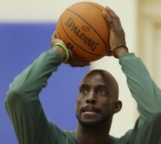 Celtic Kevin Garnett played in pain last season.