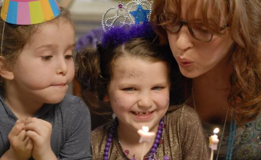 Uma Thurman (right) plays a mom planning her daughter's sixth birthday.