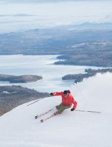 Skiers and snowboarders in New London are a short drive from Mount Sunapee Resort in Newbury, N.H., with its 65 trails.