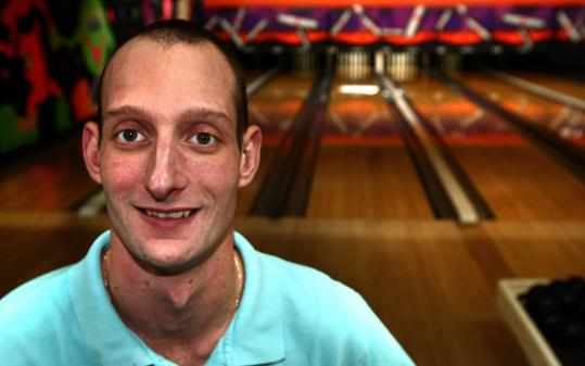 Thirty-one-year-old Matt Penkul of Lynn bowled a once-in-a-lifetime score, a 514, Tuesday night, tying the candlepin world record for a three-round match. But yesterday, officials said a technicality, the absence of foul line sensors, will keep his score out of the record books.