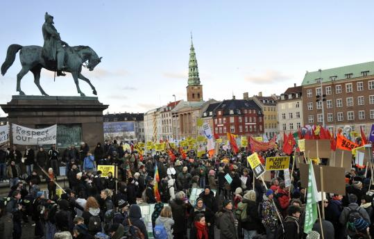 Demonstrators converged on Copenhagen to turn up the heat on world leaders debating global warming at the UN climate conference. While the protest was largely peaceful yesterday, more than 900 arrests were made.