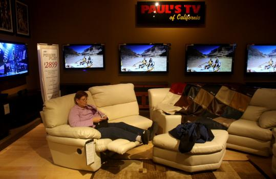 Furniture Chains Tune In Use Tvs To Lure Shoppers The Boston Globe