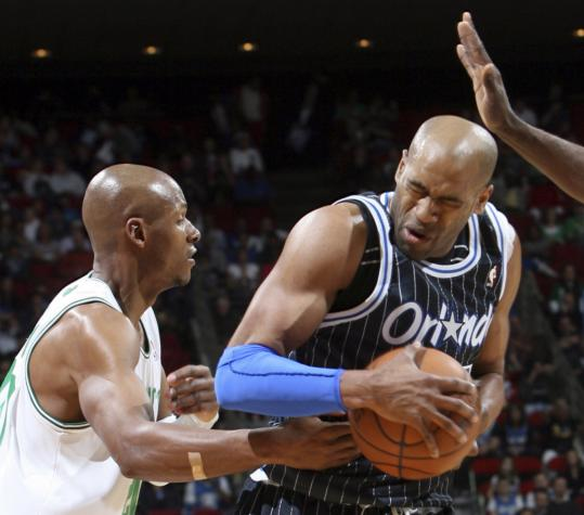 The in-your-face defense employed by Ray Allen was a little too close, as he actually struck the Magic's Vince Carter on this play during the Celtics' loss last night in Orlando.
