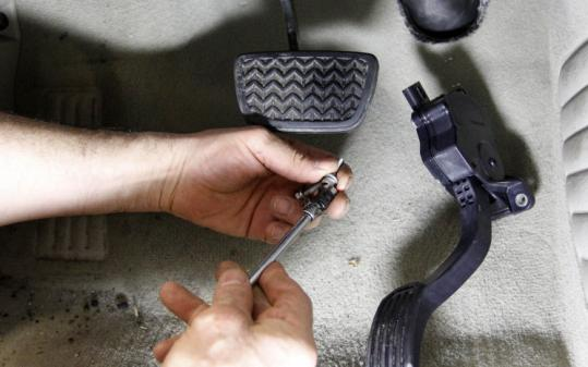 A dealer modifies a 2007 Camry's accelerator pedal.