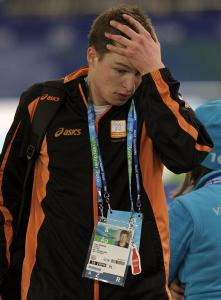 Dutchman Sven Kramer had the 10,000-meter gold in his pocket until an embarrassing mistake disqualified him.